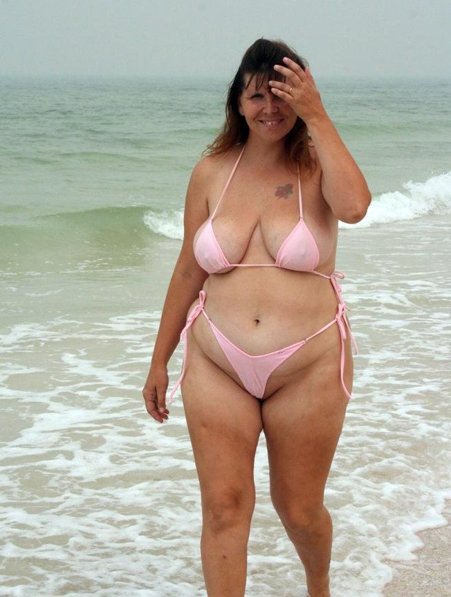 Women nude tits ass beach party